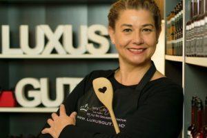 Sabine Lenhart, Luxusgut
