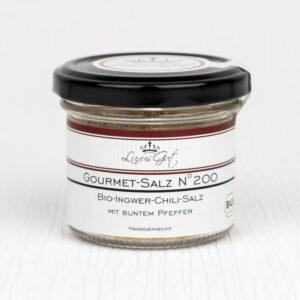 Bio-Ingwer-Chili-Salz und buntem Pfeffer